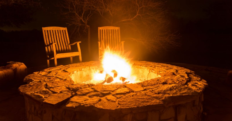 Dream Yards: Incredible Custom Backyard Fire Pits and BBQ's