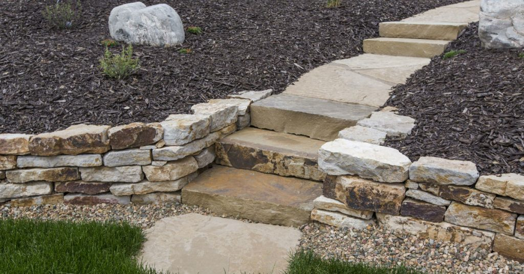 What to Consider When Choosing the Right Retaining Wall Material